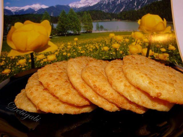 Vegyes saláta: Sajtos keksz