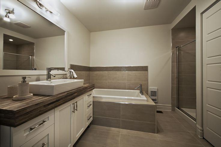 Salle de bain - maison de ville  Habitations Laurendeau Inc.