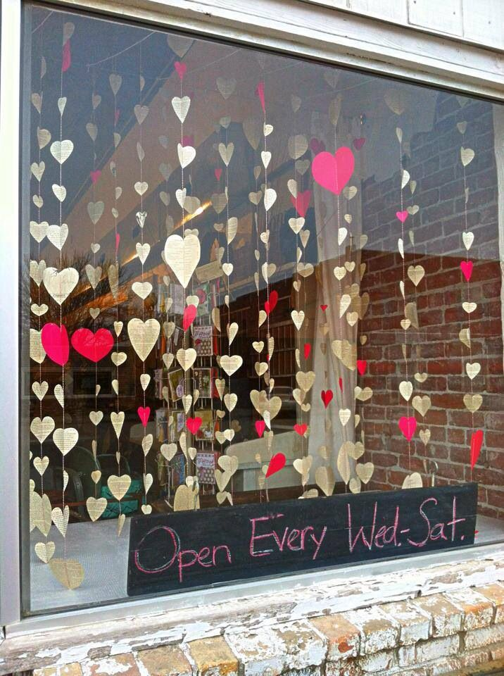 1000 ideas about cafe window on pinterest decorative for Decoration vitrine saint valentin