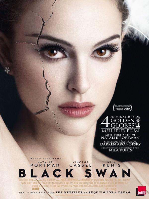 Black Swan est un film de Darren Aronofsky avec Natalie Portman, Mila Kunis. Synopsis : Rivalités dans la troupe du New York City Ballet. Nina est prête à tout pour obtenir le rôle principal du Lac des cygnes que dirige l'ambigu Th