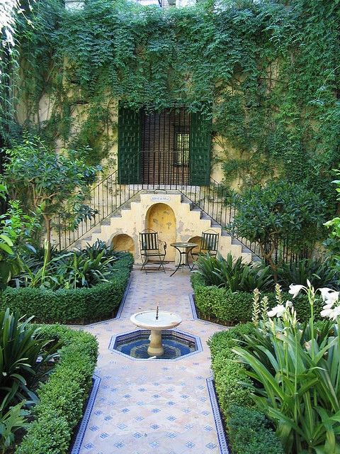 In the old jewish quarter of Seville is the hotel Casas de la Juderia. It is made up from six or seven houses each with their own small courtyard garden. The Moorish influence can be seen in all the gardens. The houses have always been linked by underground passages that run through the basements of each house; and provided a means of escape during the days of persecution.
