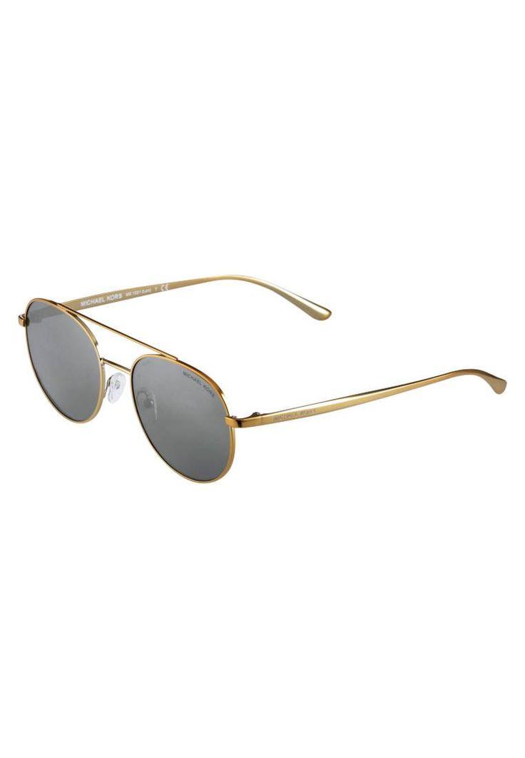 Michael Kors. LON - Occhiali da sole - gold tone. #occhialidasole #sunglasses #zalandoIT #fashion #moda Portaocchiali:Custodia rigida. Forma occhiali:Pilota (a forma di goccia). Protezione UV:Sì. Astine:14 cm nella taglia 53. Ponte:1.8 cm nella taglia 53. Larghezza:14 cm nella taglia 53