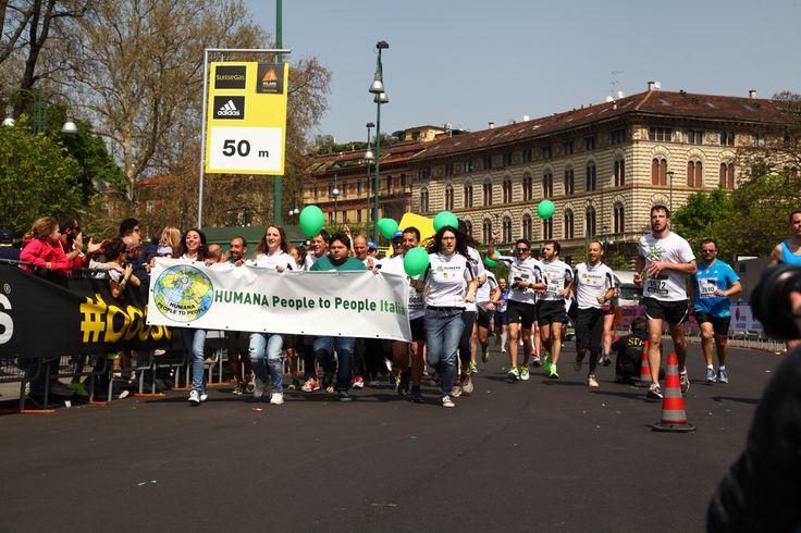 Alcuni dei 241 #Corsari di HUMANA all'arrivo!  #milanomarathon #staffettaMi #running #milan #run #runners #marathon