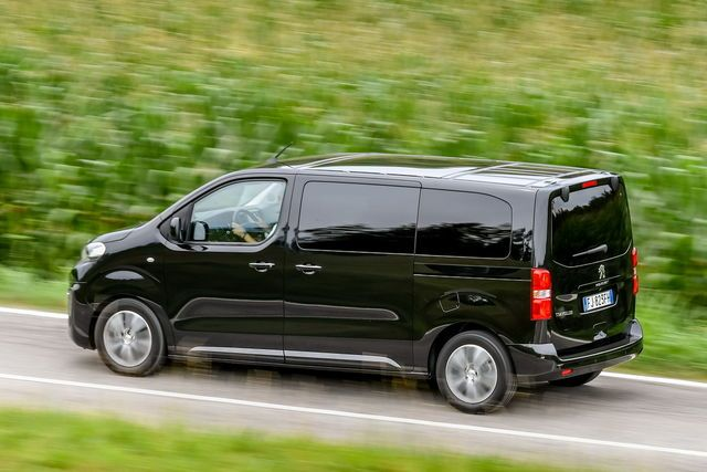 Peugeot Traveller prova, scheda tecnica, opinioni e dimensioni BlueHDi 180 S&S EAT6 Standard Allure 8 posti