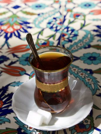 Turkish Tea, Istanbul, Turkey Lámina fotográfica por Peter Adams en AllPosters.es