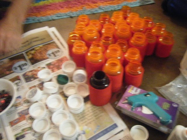 empty medicine bottle crafts | Chronicles of a Crafter: Glitter, Puff Paint, Ribbon, Oh My!