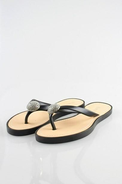 TRESA SANDAL - Summer sandal with split toe and faux diamond piece.