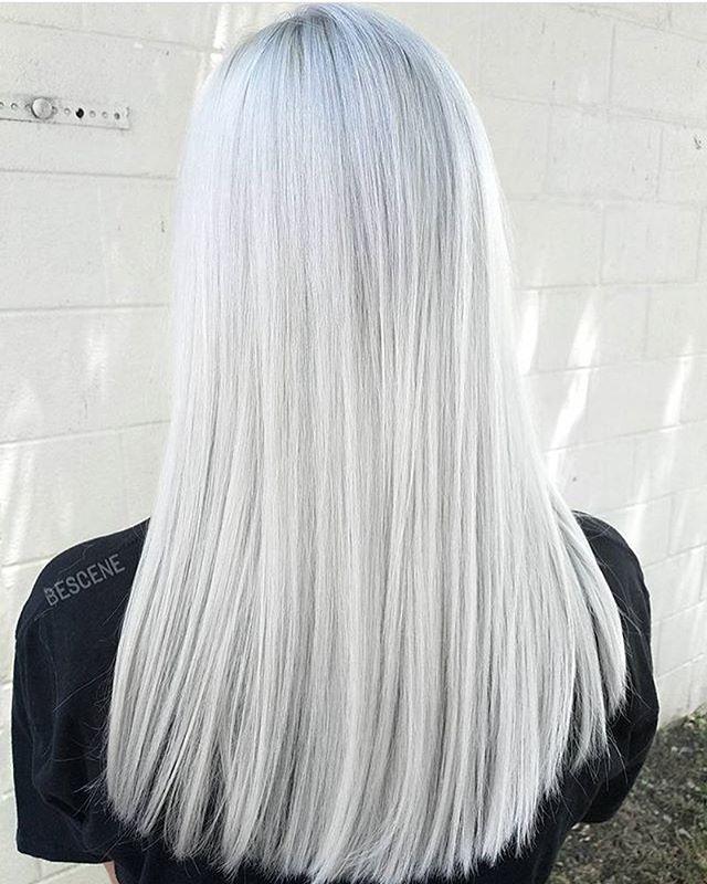 Branco.