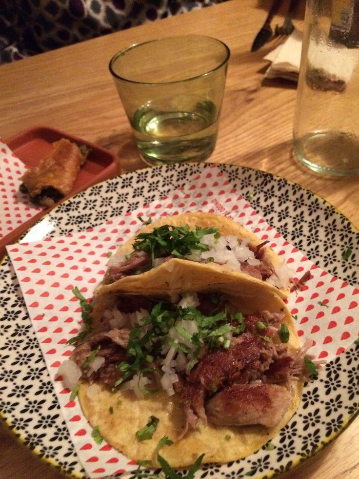 Los tacos mexicanos. http://www.enjoyspanishonskype.com/aprende-espanol-on-line/los-tacos-mexicanos/