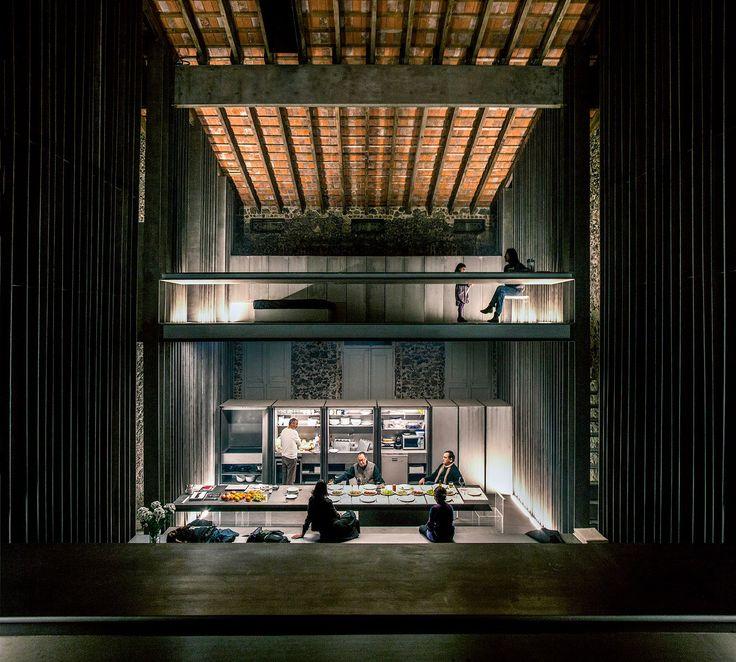 Row House, 2012, Olot, Girona, España. Rafael Aranda, Carme Pigem y Ramon Vilalta, Ganadores del Premio Pritzker de Arquitectura 2017. Imagen © Hisao Suzuki. Cortesía del Premio Pritzker de Arquitectura.