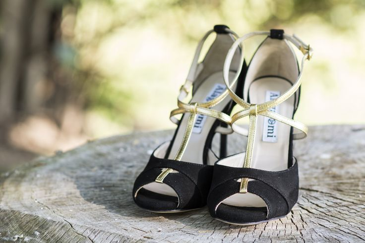 Tango shoes for woman in black suede and gold leather http://www.italiantangoshoes.com/shop/en/alagalomi/491-alagalomi.html