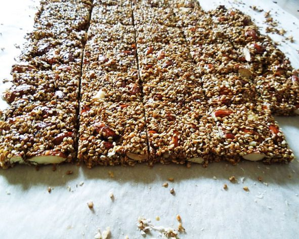Pasteli: the roots of its history are lost in the ancient years.