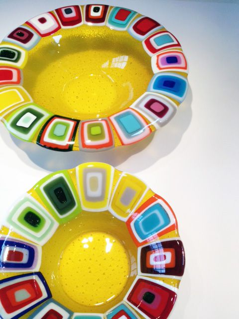 Glass bowls: Yellow. 40 and 30 cm in diameter. By the danish designer and artist Louise Lagoni.
