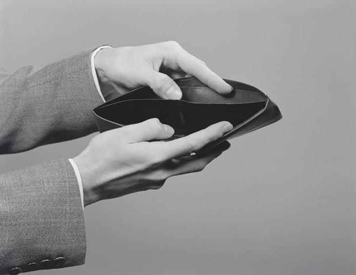 Каждый мечтает о том, чтобы стать богатым человеком и ни в чем себе не отказывать, но далеко не всем это удается — давайте разберемся, почему.Американские исследователи изучили богатых людей основател...