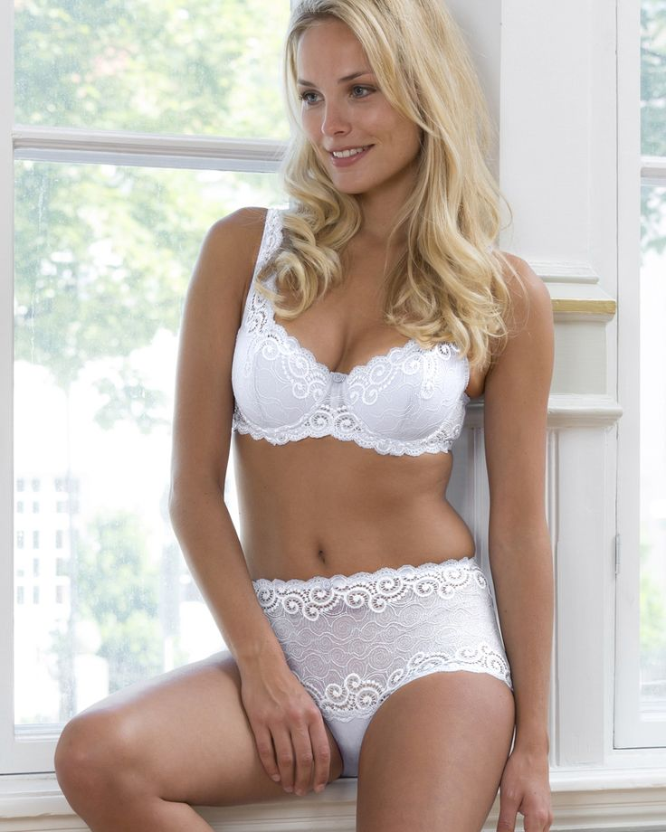 Irene padded underwire lace bra from Trofé Sweden