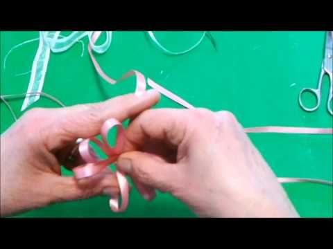 ▶ Come fare un fiocco perfetto doppio con nastro di raso - YouTube