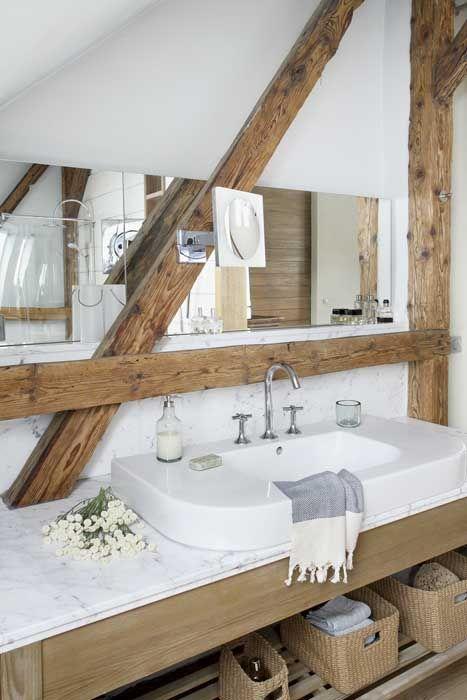 Une salle de bain simple et chic comme je les aime!