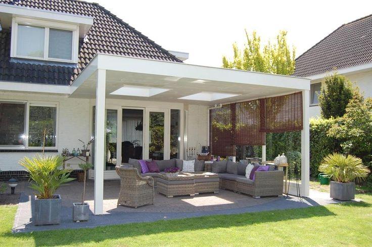Houten terrasoverkapping met 2 lichtkoepels tuin en terras pinterest met - Terras met houten pergolas ...