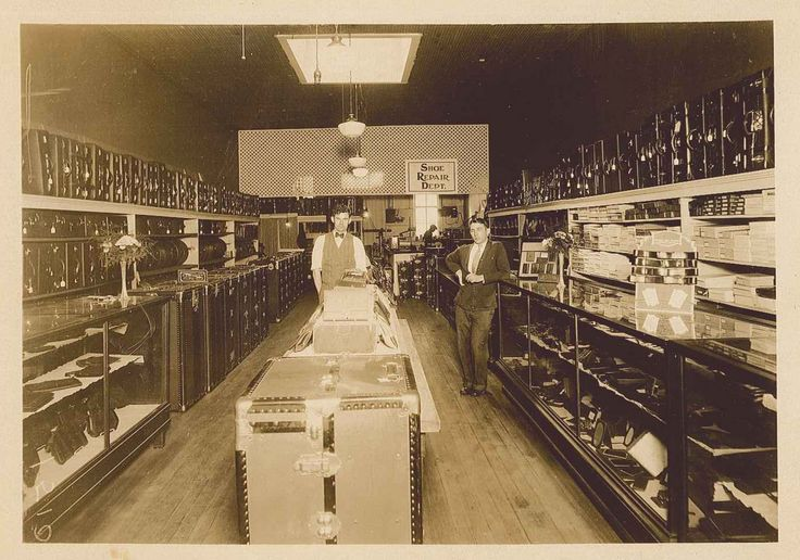 Mori Luggage & Gifts in the 1930s - Jackson, MS