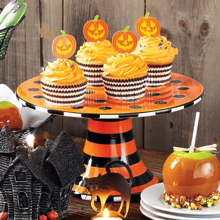Halloween Cake Stand at Sur La Table & 181 best Cake plates and other fun plates images on Pinterest | Cake ...