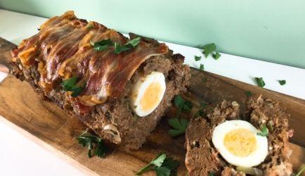 Heerlijk hoofdgerecht voor Pasen! Lekker met peultjes en een puree van half aardappels, half bloemkool.