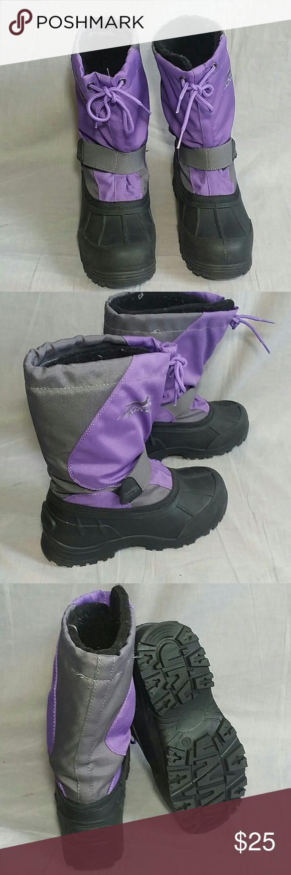 Kid's Winter Boots Arctic Cat 4 M Rubber Insulated Item is in a good condition NO PETS AND SMOKE FREE HOME. artic cat  Shoes Rain & Snow Boots