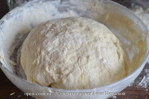 Рецепт дрожжевого теста с фотографиями, который станет основой для пирогов, булочек, плюшек, батонов и другой выпечки. Рецепт дрожжевого теста очень прост и доступен