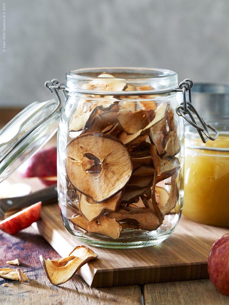 Torkade äppelringar i KORKEN burk med lock. Klicka på bilden för recept!
