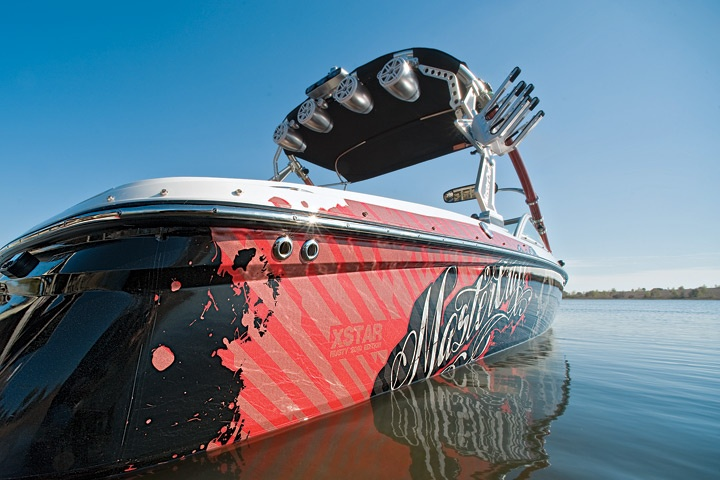 ridiculous wakeboarding boat ..