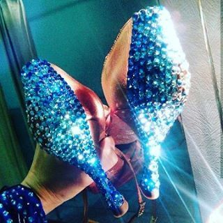Scarpe da ballo decoraye 😊 #unavitaperladanza #dancesportshoes #danceshoes  #strass #shoes #ballroomshoes #instadance #latinshoes #latindance #followme #like4like #loveshoes