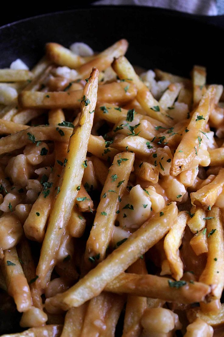 Homemade Poutine Gravy   Easy Poutine   Beef & Chicken Poutine Gravy   Fries and Cheese Curds   How to Make Poutine