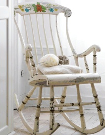 old rocking chairs...: Decor Ideas, Rockers, Old Rocking Chairs, Living Room, Home Decor, Shabby Chic Decorating, Paintings Chairs, Old Rocks Chairs, Knits Needle