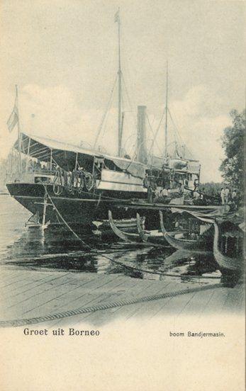 De haven (boom) van Bandjermasin circa 1900.