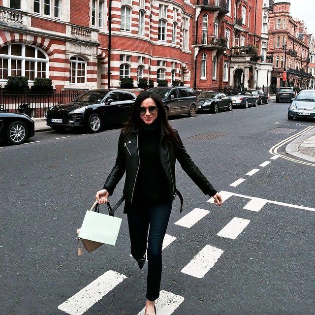 Chic all black street style - Meghan Markle