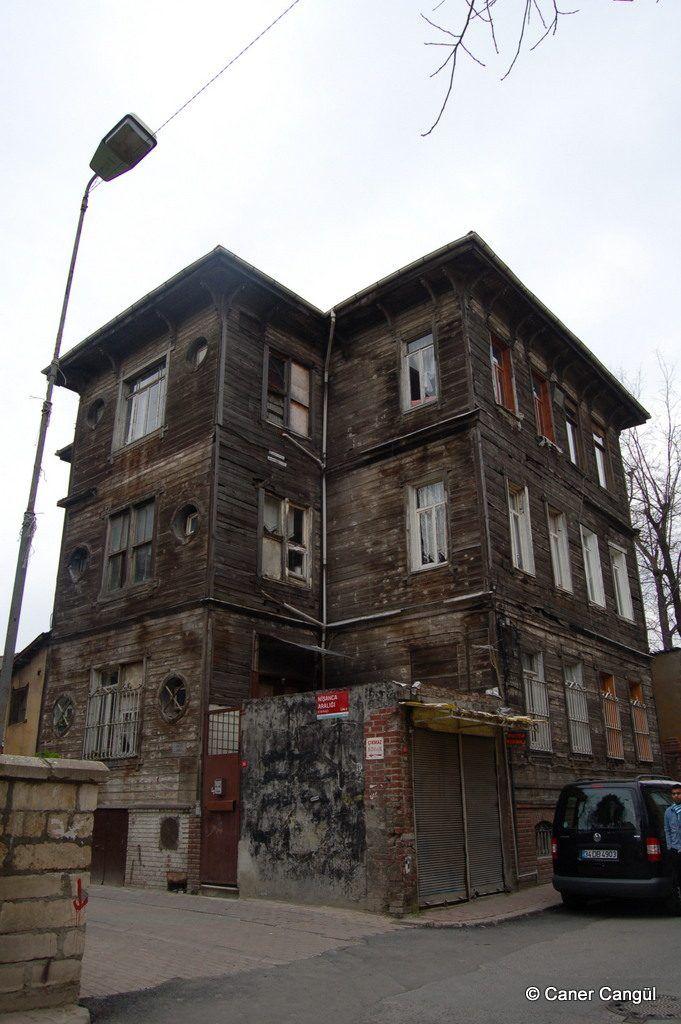Ahşap Bina, Fatih Nişancası – Caner Cangül Fotoğrafları