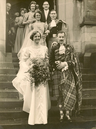 :::::::: Vintage Photograph :::::::: Bridegroom and Groomsman in full Highland dress.  South Church in Bearsden, Glascow.  28 November 1938