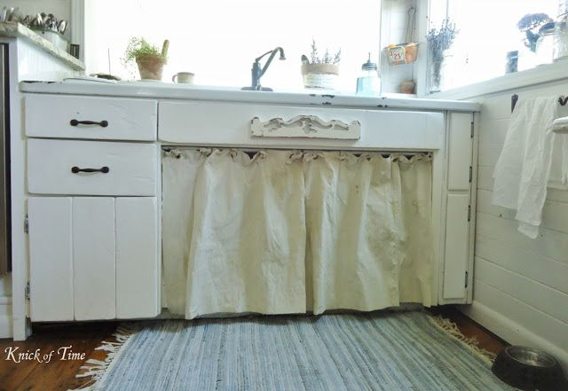 LOVE Angie's farmhouse kitchen faucet!  Now I just have to get my hands on one!  Knick of Time blog.