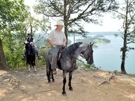 Kentucky Horse Camping - Check these listings to find a wilderness horse camp to get your horse adventure rolling.
