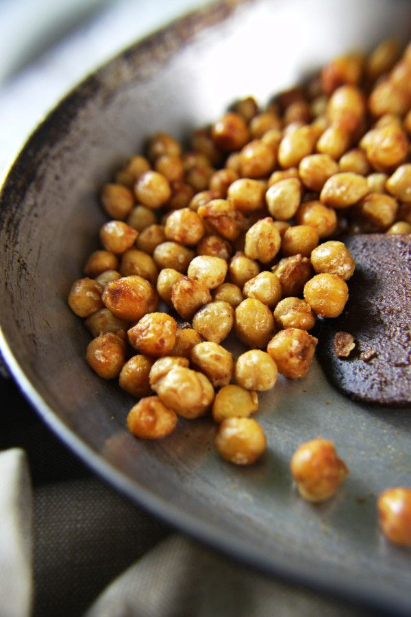 Very quick and very easy Spicy Chickpeas Snack with just a 5 ingredients under 10 minutes