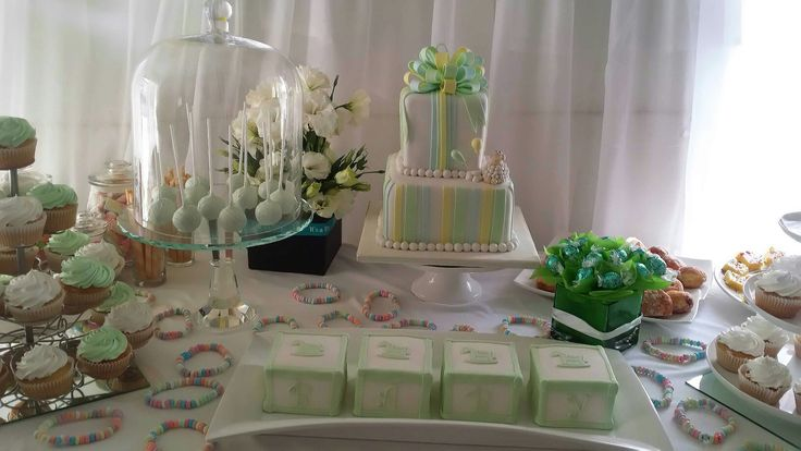 Cake pops are a must for the kids and also add to the colour scheme in a beautiful way at any event.