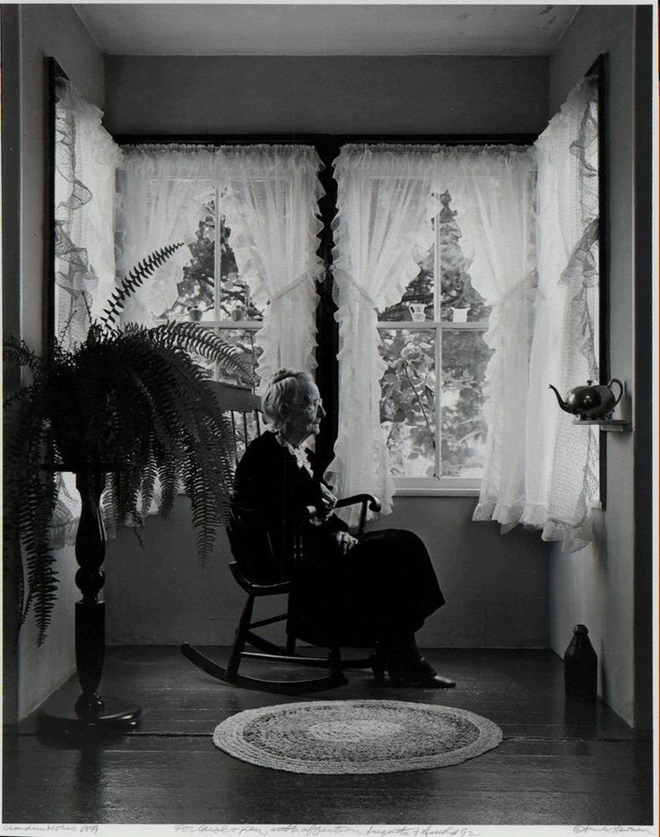 Arnold Newman, Grandma Moses, 1949, Be-hold