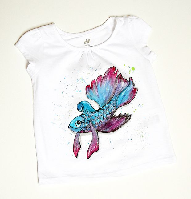 T-shirt with fish