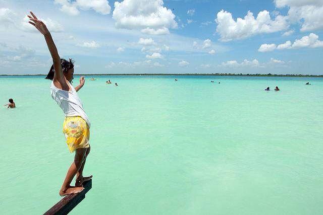 Hoy es un día importante para todos en Quintana Roo, se aprobó el cambio de huso horario para el Estado en la Cámara de Diputados. El Gobernador, los Diputados Federales, los Diputados Locales y la Sociedad Civil, llevaron esta petición y lo hicieron posible. ¡Lo logramos!