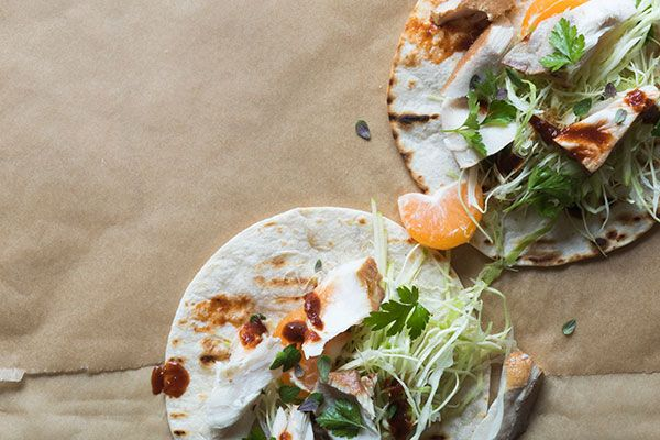 Soft tortillas with smoked fish, herbs and green apple – Recipes – Bite