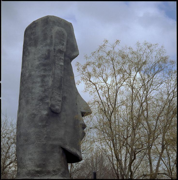 Moai Model side