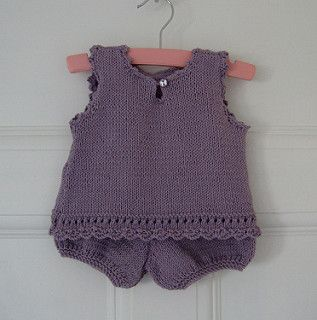 Tunic and bloomer in sizes 3/ 6/ 12 and 18 months
