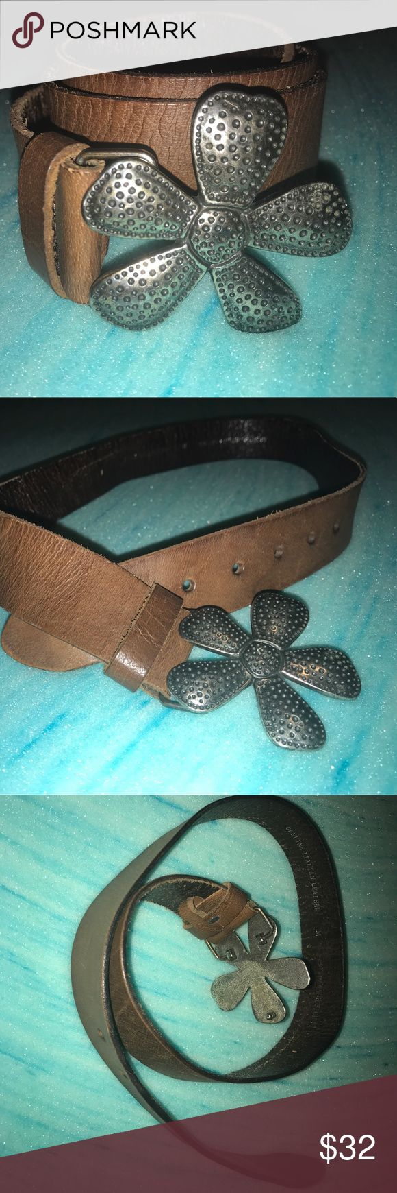 Silpada Designs Genuine Leather Daisy Buckle Belt Size Medium, Perfect Used Condition. Belt is 100% Leather and doesn't show any sign of wear. thanks for looking. Silpada Accessories Belts