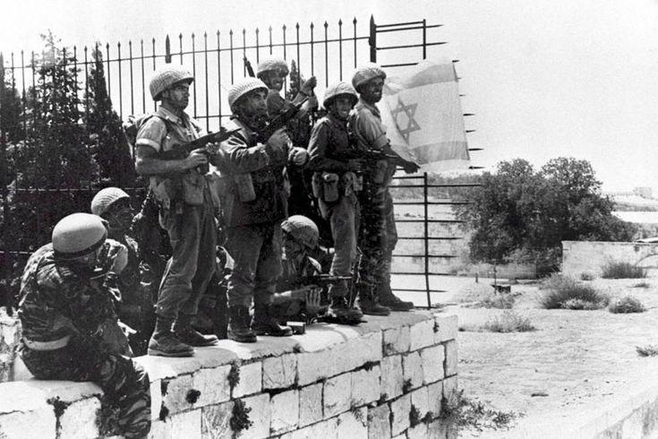 """Autor:Jeff Jacoby. Fuente: jeffjacoby.com. Traducción : Israelnoticias.com """"¿Y si el conflicto que estalló hace 50 años entre Israel y sus vecinos árabes más grandes ─ Egipto, Siria y Jordan…"""