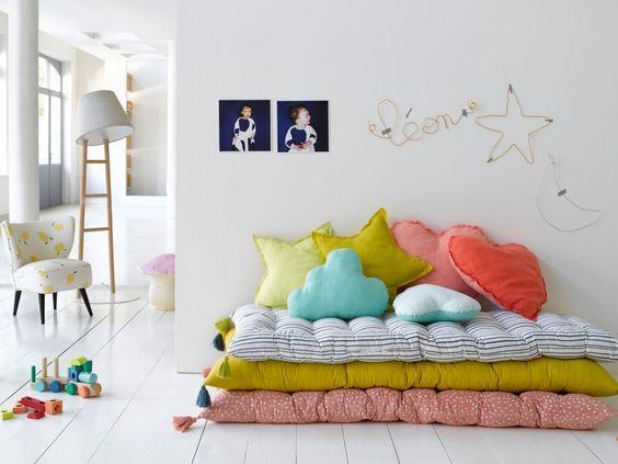 les 25 meilleures id es de la cat gorie matelas de sol enfant sur pinterest matelas de sol. Black Bedroom Furniture Sets. Home Design Ideas