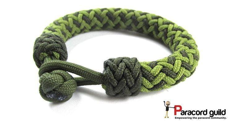 2 color hansen knot paracord bracelet with accent knots.